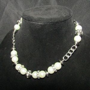Jewelry - Faux pearl rhinestone choker necklace NWOT